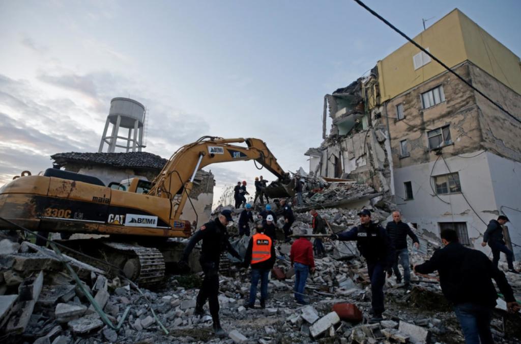 Escombros de un edificio derrumbado