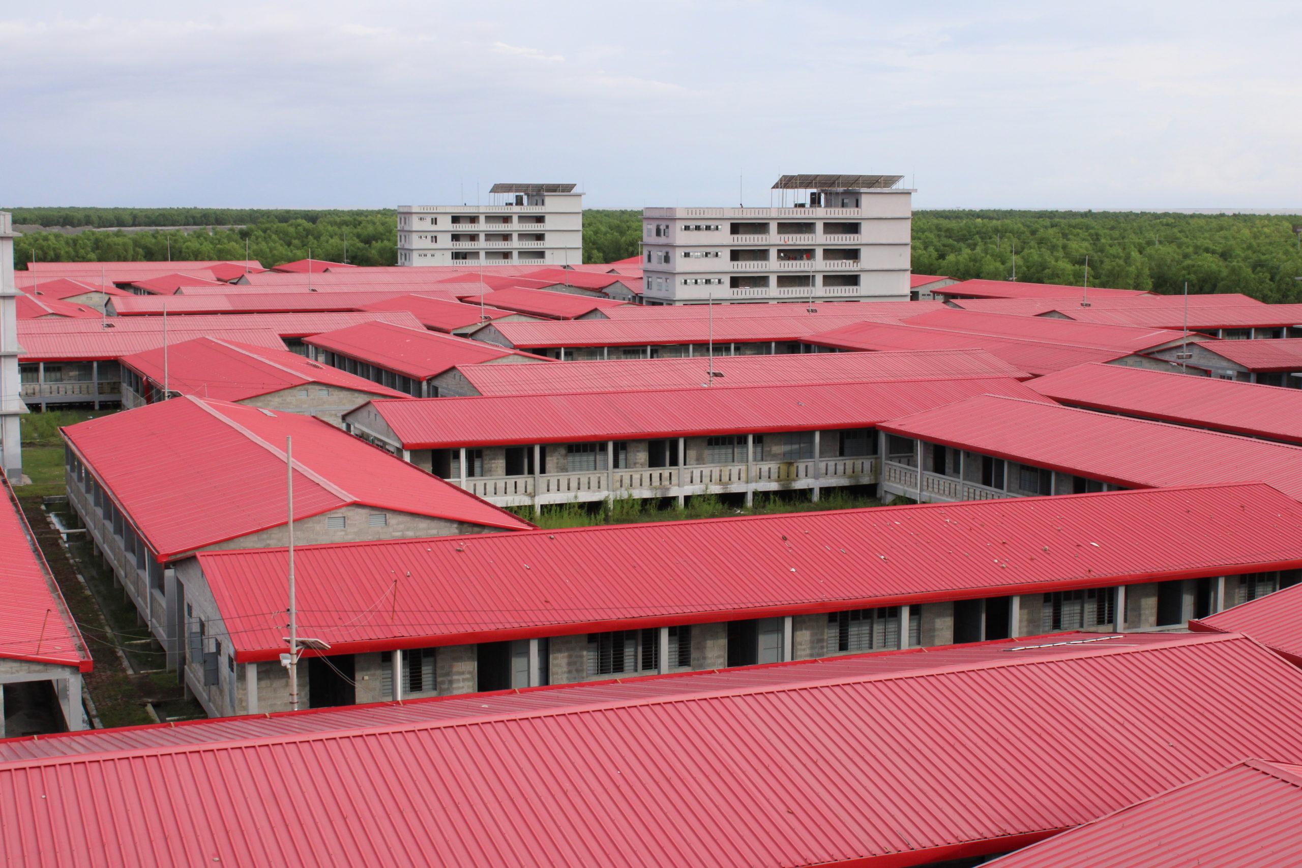 Bhashan Char, edificio construido específicamente para hospedar a Nacionales Rohingya Desplazados Forzosos de Myanmar (FDMN)